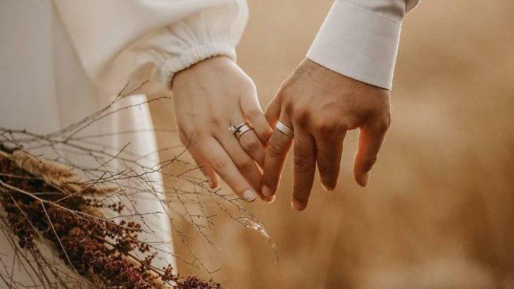 نحوه گرفتن دست نامزد و همسر (1)